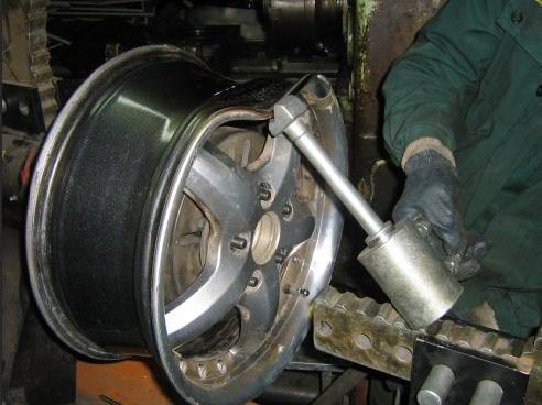 Ремонт легкосплавных, железных дисков авто в своей мастерской