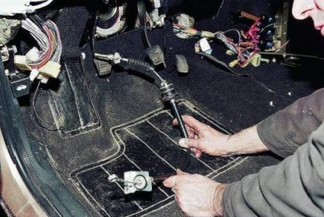 Порядок замены тросика сцепления ВАЗ 2108, 2109, 21099